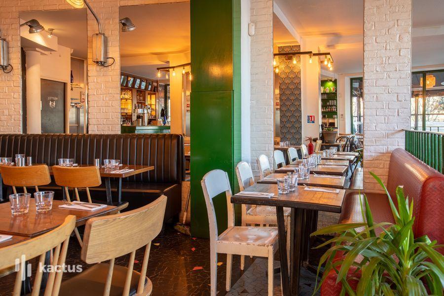 La Seine Café 23