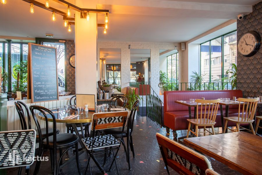 La Seine Café 26