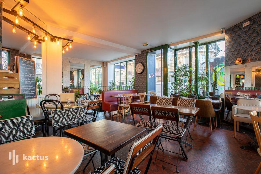 La Seine Café 28