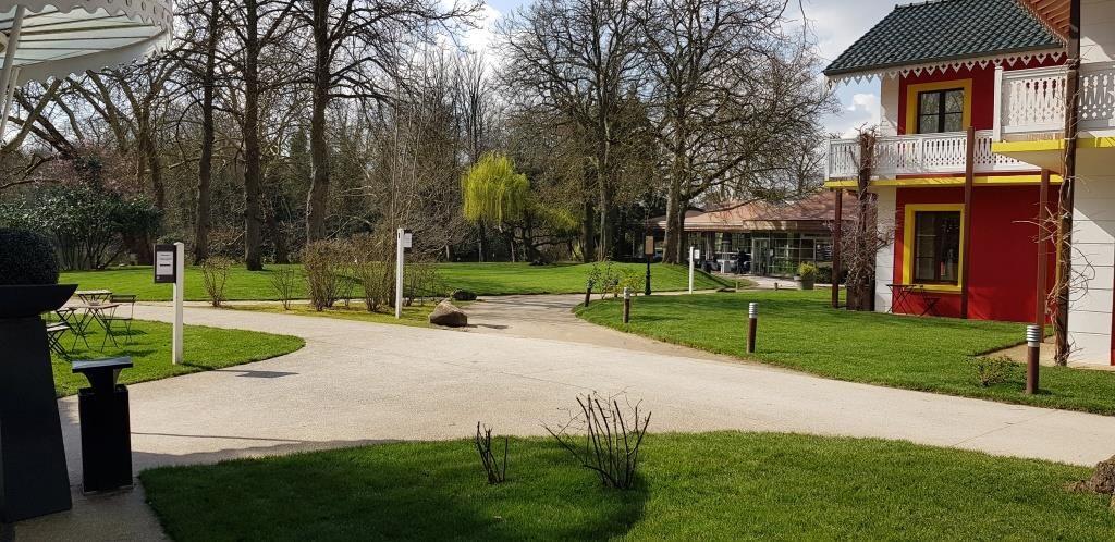 Chalet de la Porte Jaune Le parc
