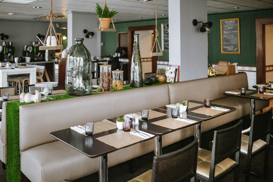 Novotel Lyon Nord Porte de Lyon **** Restaurant Jardin & Company