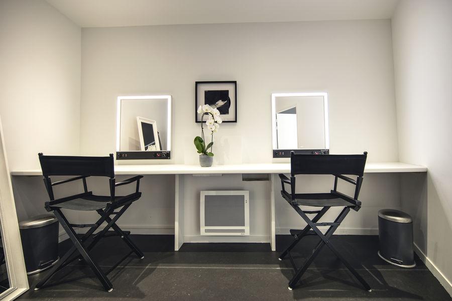 Images sur cour Studio Loge maquillage/coiffure