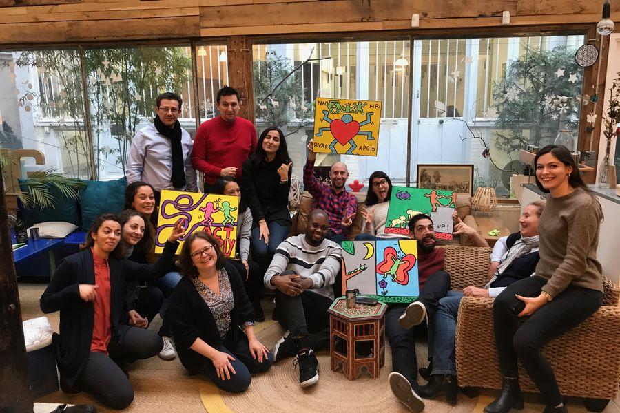 Atelier Fil Rouge  Atelier ARTY, une équipe heureuse