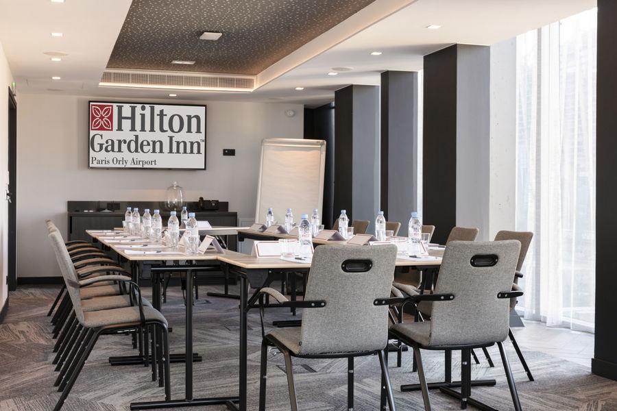 Hilton Garden Inn Paris Orly Airport **** Salle Trocadero