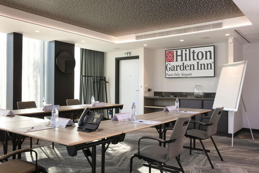 Hilton Garden Inn Paris Orly Airport **** Salle Luxembourg