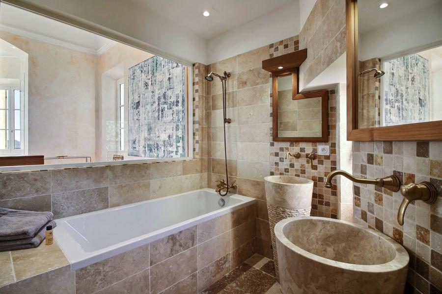 Château des Costes  Salle de bain Matisse
