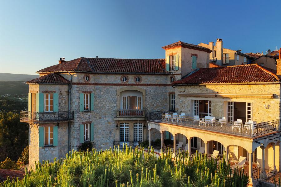 Château des Costes  Terrasse Chateau