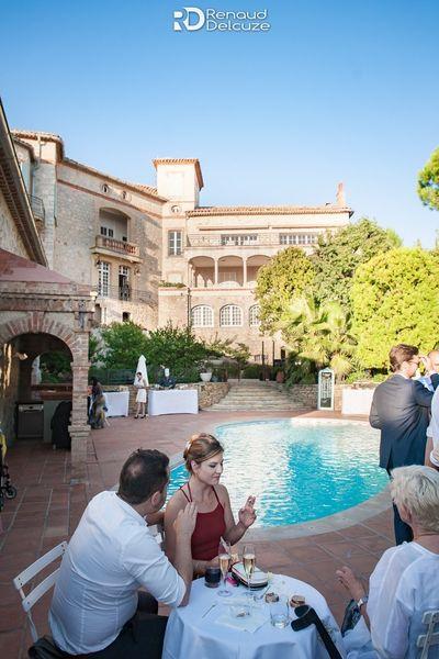 Château des Costes  Cocktail autour de la piscine