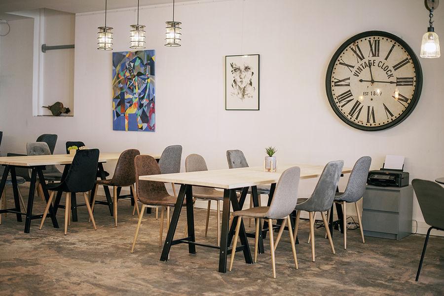 Bureaux & Co La Station Salle 200 m² divisible avec terrasse et cuisine
