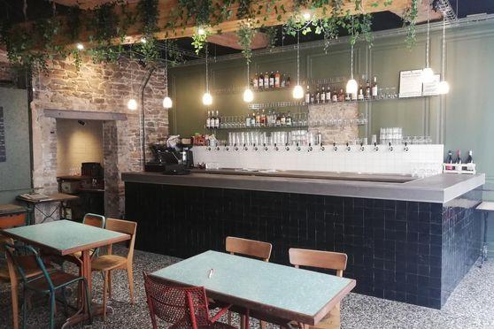Le bar et ses 12 tirages pression