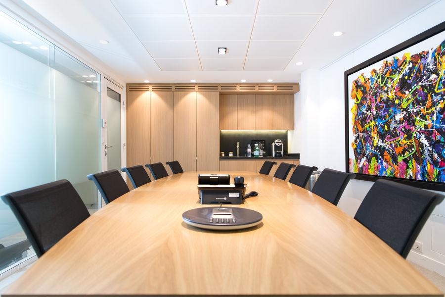 Paris Office Project Champs-Elysées George V salle de réunion et visioconférence