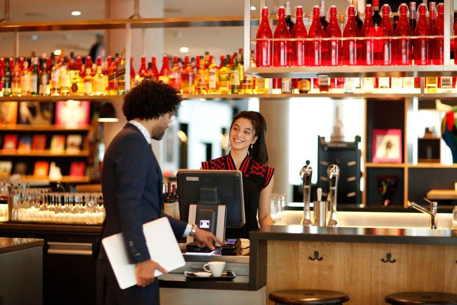 CitizenM La Défense canteenM - restaurant bar