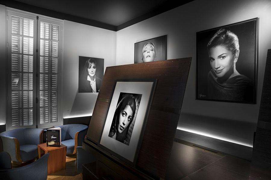 Studio Harcourt Paris Blackroom