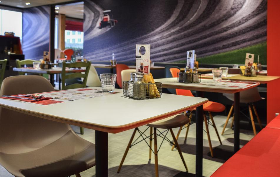Ibis Saint Denis Stade Ouest Restaurant