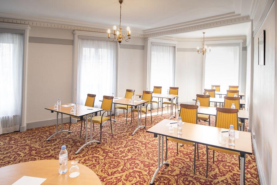 Normandy Le Chantier Salon Argenteuil en classe (30m², lumière du jour)