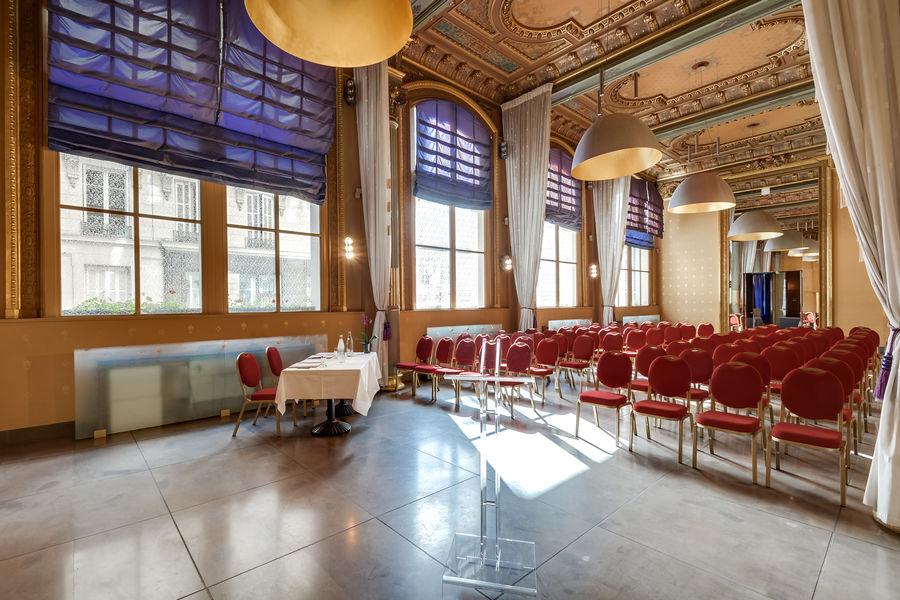 Normandy Le Chantier Palazzo en théâtre (130m²+34m² vestiaire ; lumière du jour)