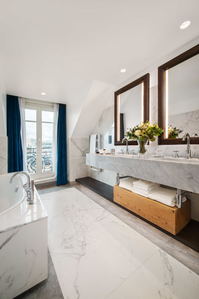 Hyatt Paris Madeleine ***** Suite Tour Eiffel Bathroom