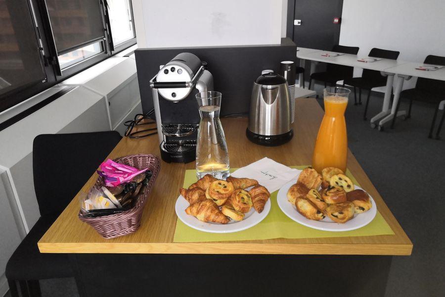 Baya Axess Toulouse Exemple petit-déjeuner 8 personnes