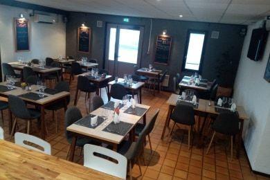 Hotel Kyriad GENEVE - Saint Genis Pouilly Salle Restaurant