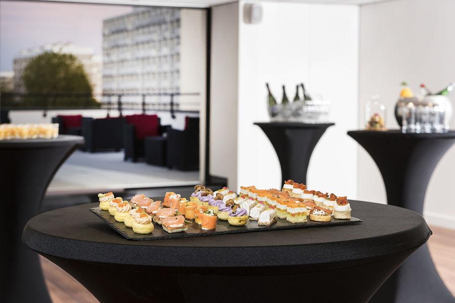 Hôtel Forest Hill Meudon Vélizy **** Salon panoramique avec rooftop
