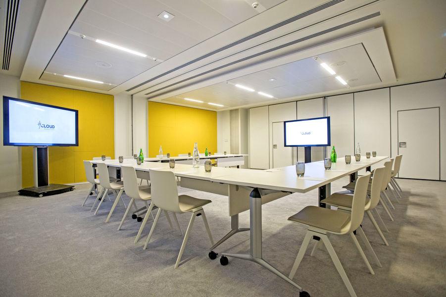 Cloud Business Center  Sydney & Cambridge