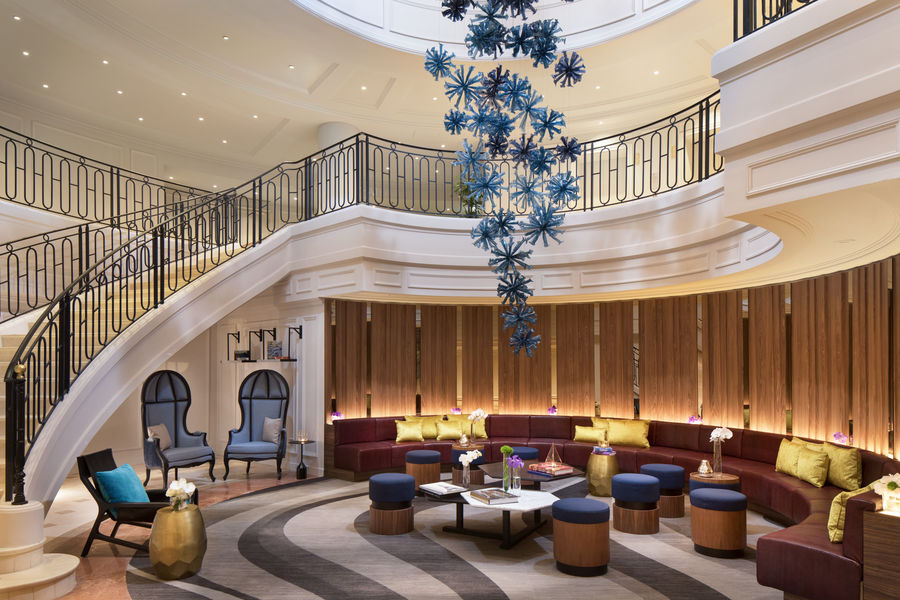 Renaissance Paris La Defense Hotel Lobby