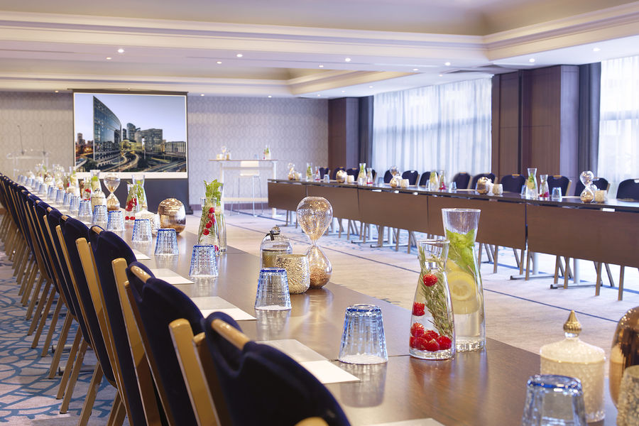 Renaissance Paris La Defense Hotel Coté Jardin (Corolle Majunga Reflet - U Setup)