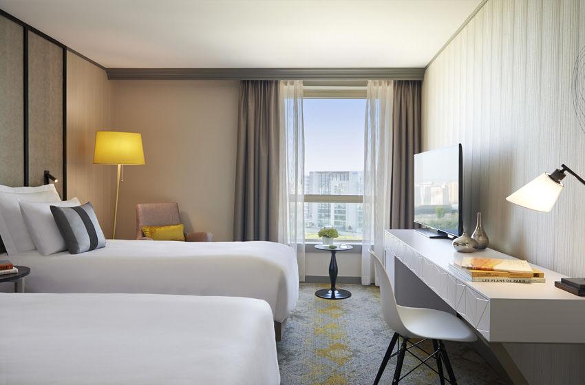 Renaissance Paris La Defense Hotel Deluxe Room (Twin beds)