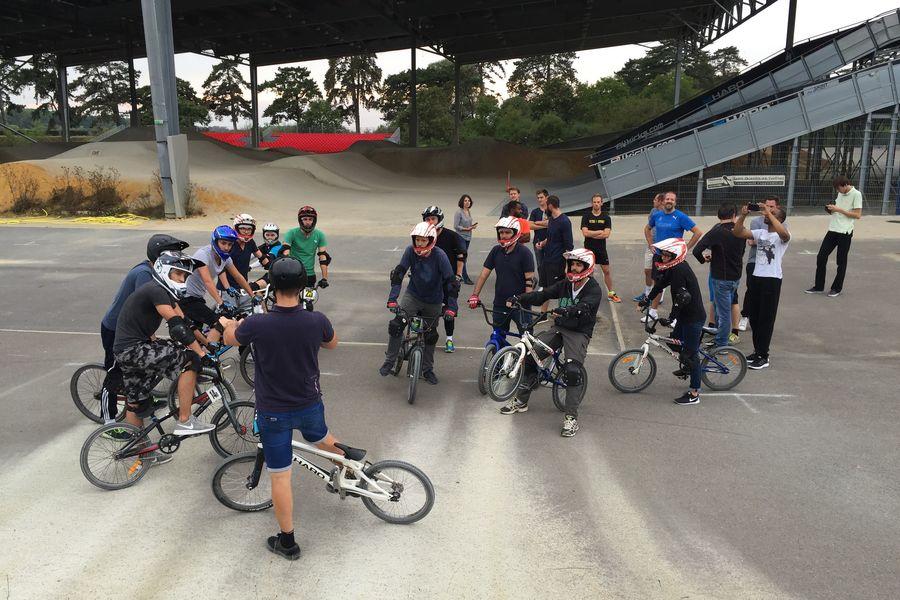 Vélodrome National de Saint-Quentin-en-Yvelines L'aire multifonctionnelle outdoor - Activité team-building BMX