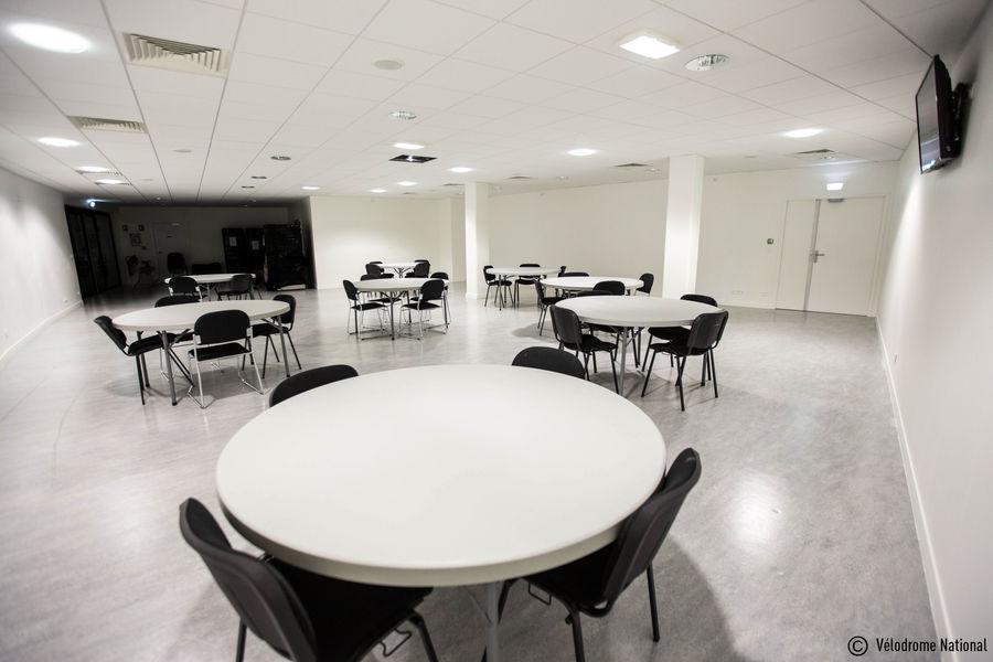 Vélodrome National de Saint-Quentin-en-Yvelines Salon Premium en configuration réunion