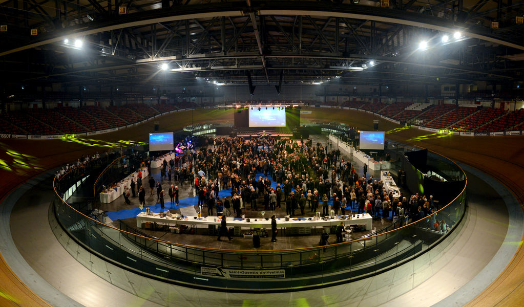 Vélodrome National de Saint-Quentin-en-Yvelines L'aire centrale en configuration banquet