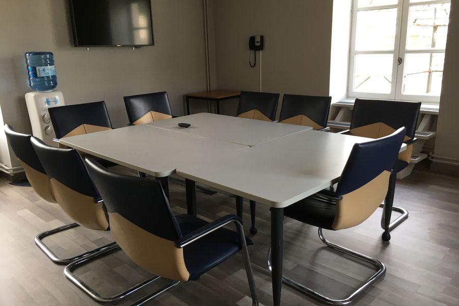 Domaine de Fremigny Salle de réunion Courance 2