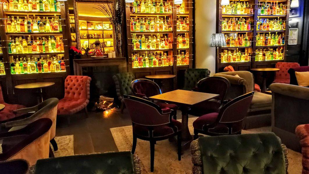 New Rose Cocktail Bar 13