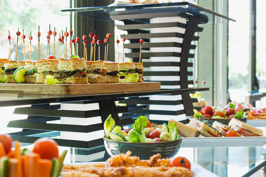 Crowne Plaza Paris - Neuilly **** Finger Buffet