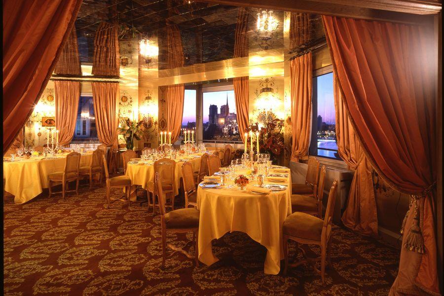 La Tour d'Argent Diner de Célébrations au Slaon Privé