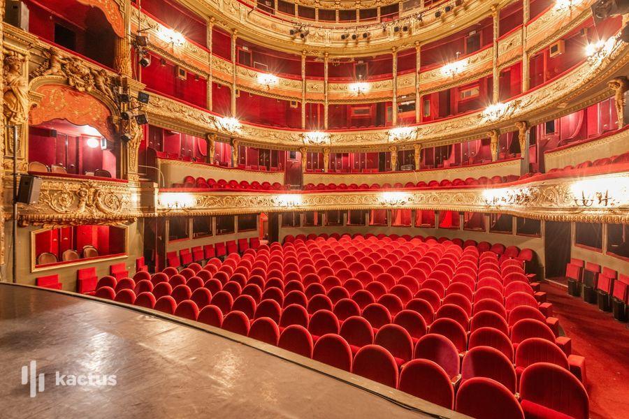 Théâtre du Gymnase Marie Bell  54