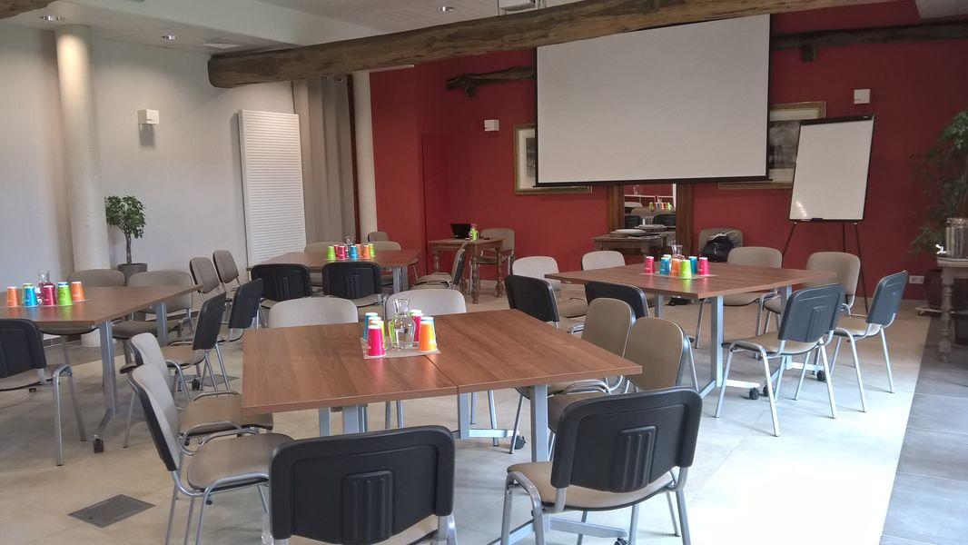La Croisée des Possibles Votre salle installée pour une réunion par équipe