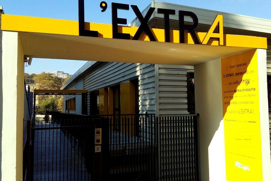 L'EXTRA Entrée accueil au 38 rue Loucheur 69009 Lyon