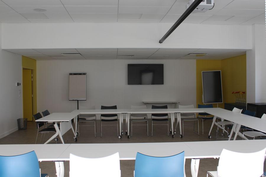 L'EXTRA Salle de réunion EXTRA disposition en U