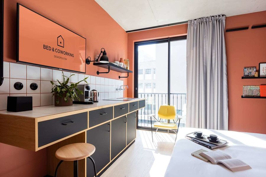 Deskopolitan Voltaire Bed & Coworking- Chambre