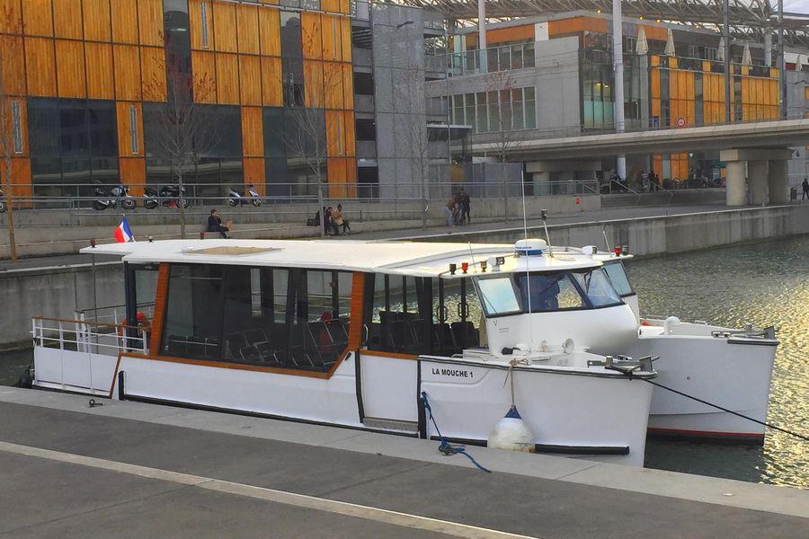 Les Yachts de Lyon BATEAU LA MOUCHE