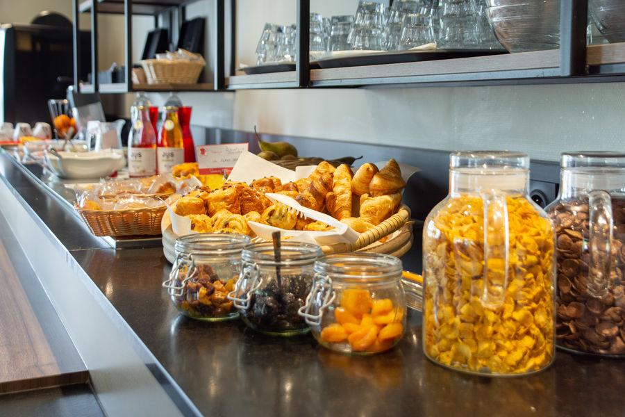 Brit Hotel Caen Nord Memorial *** Buffet Petit-déjeuner