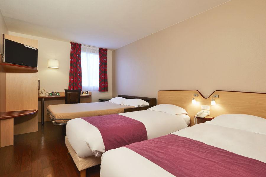 Hôtel Kyriad Clermont Ferrand Sud La Pardieu *** Chambre triple-quadruple
