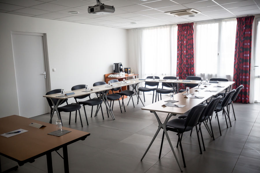Hôtel Kyriad Clermont Ferrand Sud La Pardieu *** Salle Sancy