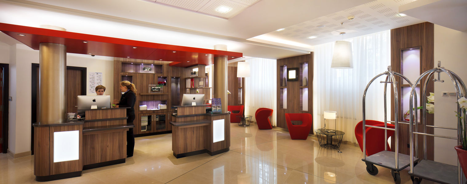 Courtyard by Marriott Paris Boulogne **** Lobby