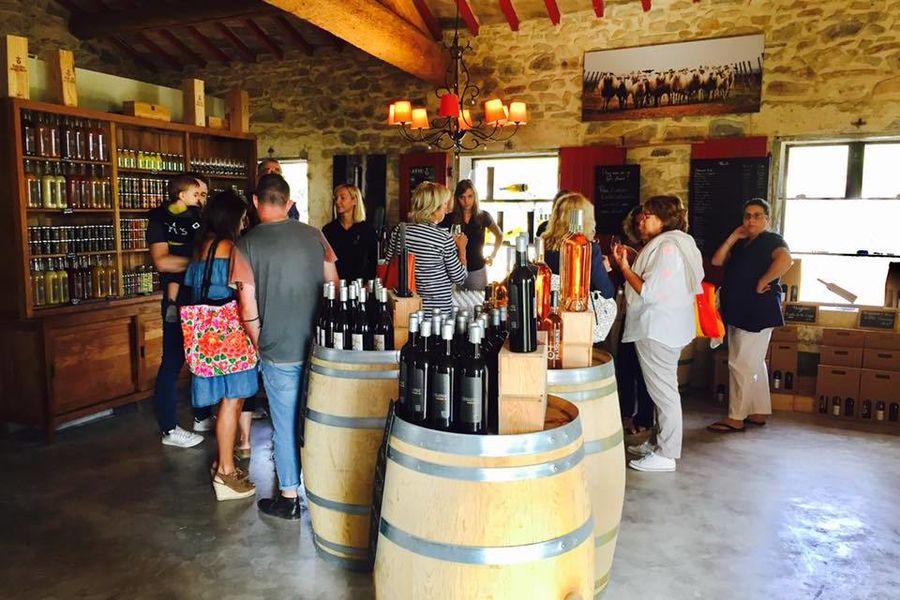 Domaine Enclos de la Croix Caveau / Wine Shop