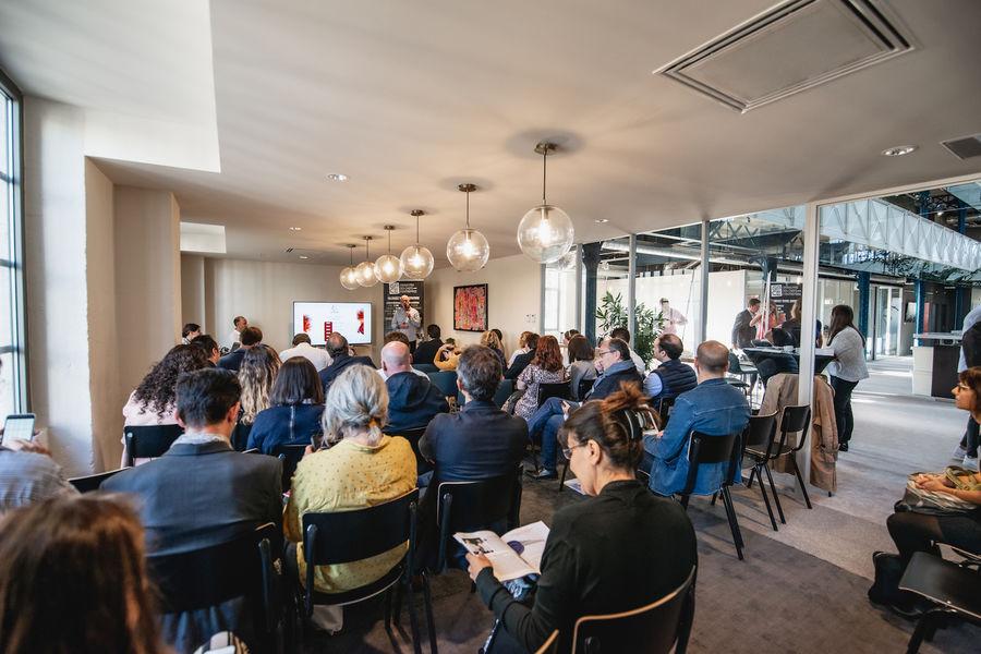 Halle Héméra Le Salon privatisé pour une conférence de 70 personnes
