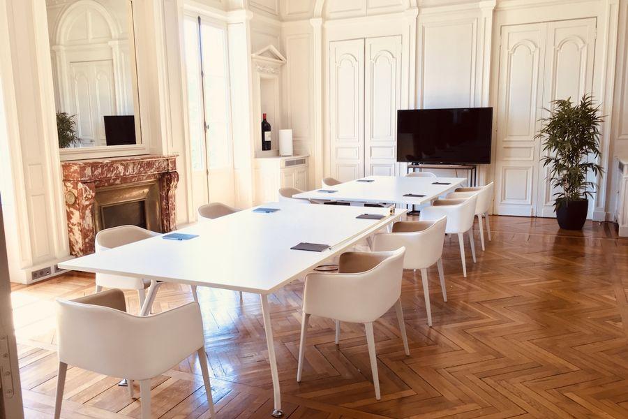 Hôtel Fenwick Salon Saint-Estèphe pour vos réunions (14 pers.)