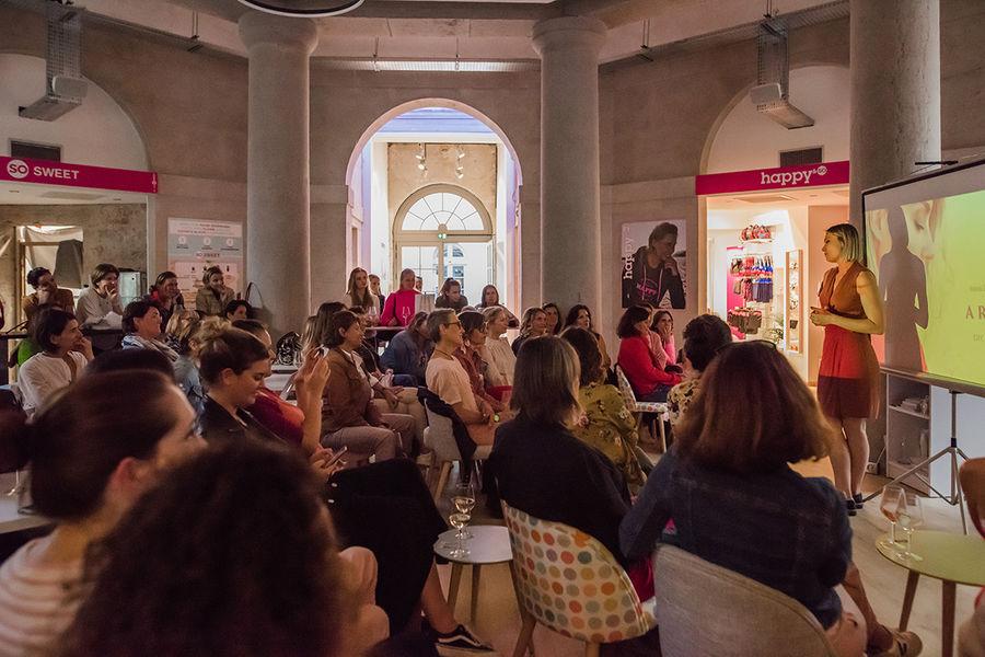 La source -Concept store Rotonde en mode theatre