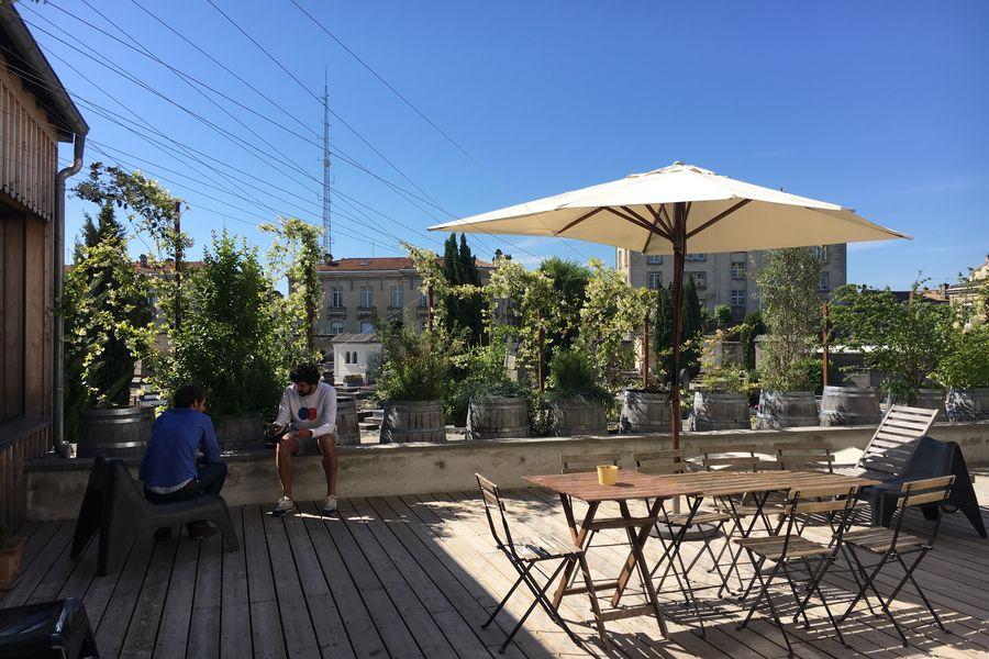 MOTA Coworking  Terrasse pour les pauses et cocktails